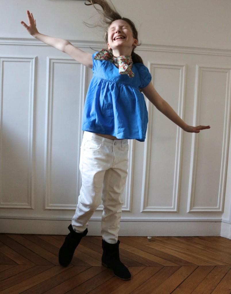 Top Bonton été 2014, jean blanc Zara 2014, boots en peau Zef hiver 2013, foulard Liberty home mad