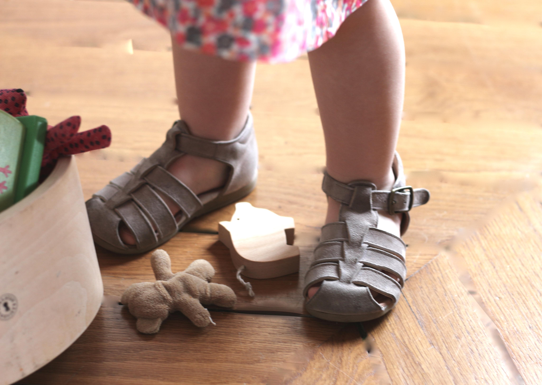 pèpè sandals