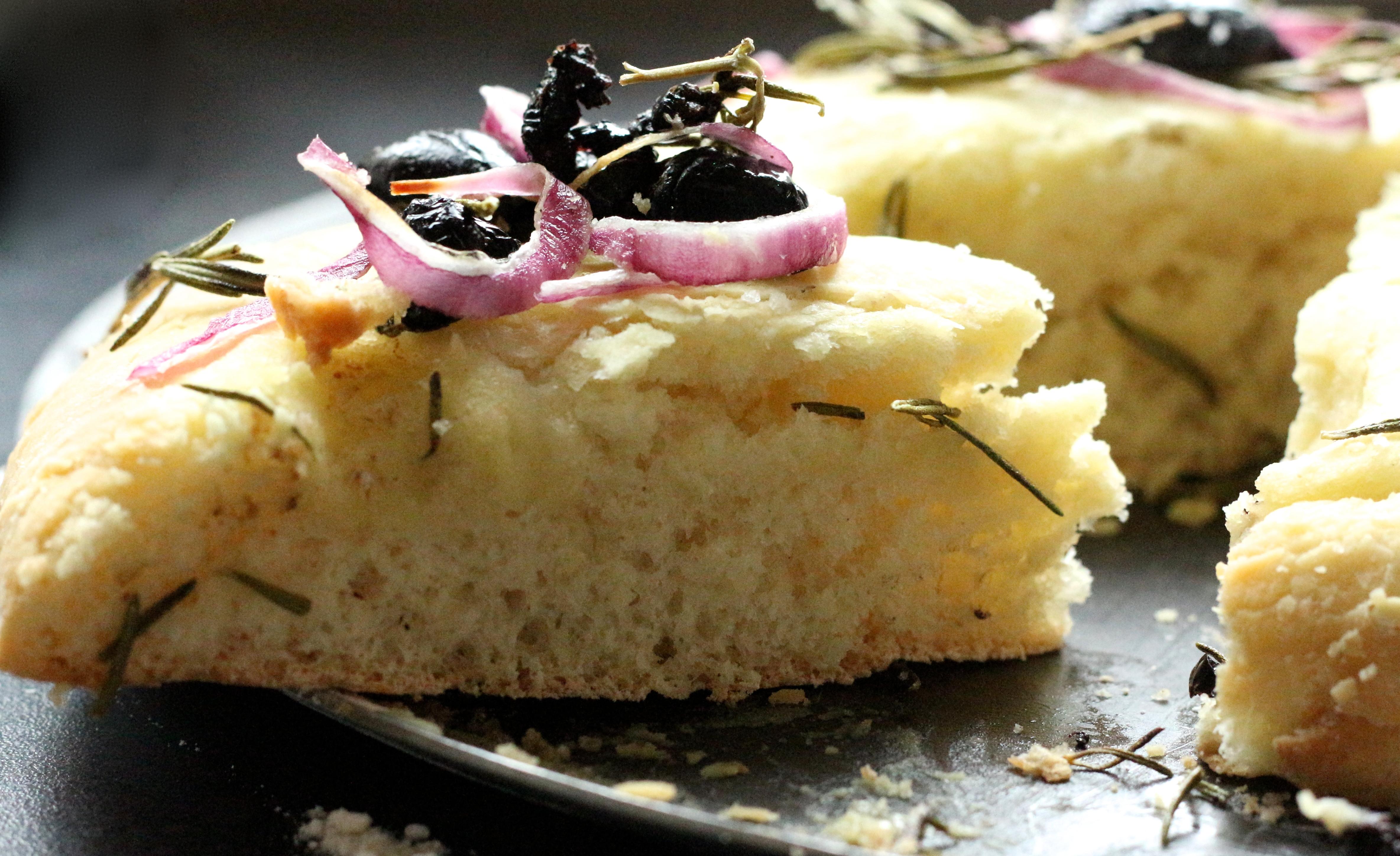 Pain plat aux olives - Sweet Cabane