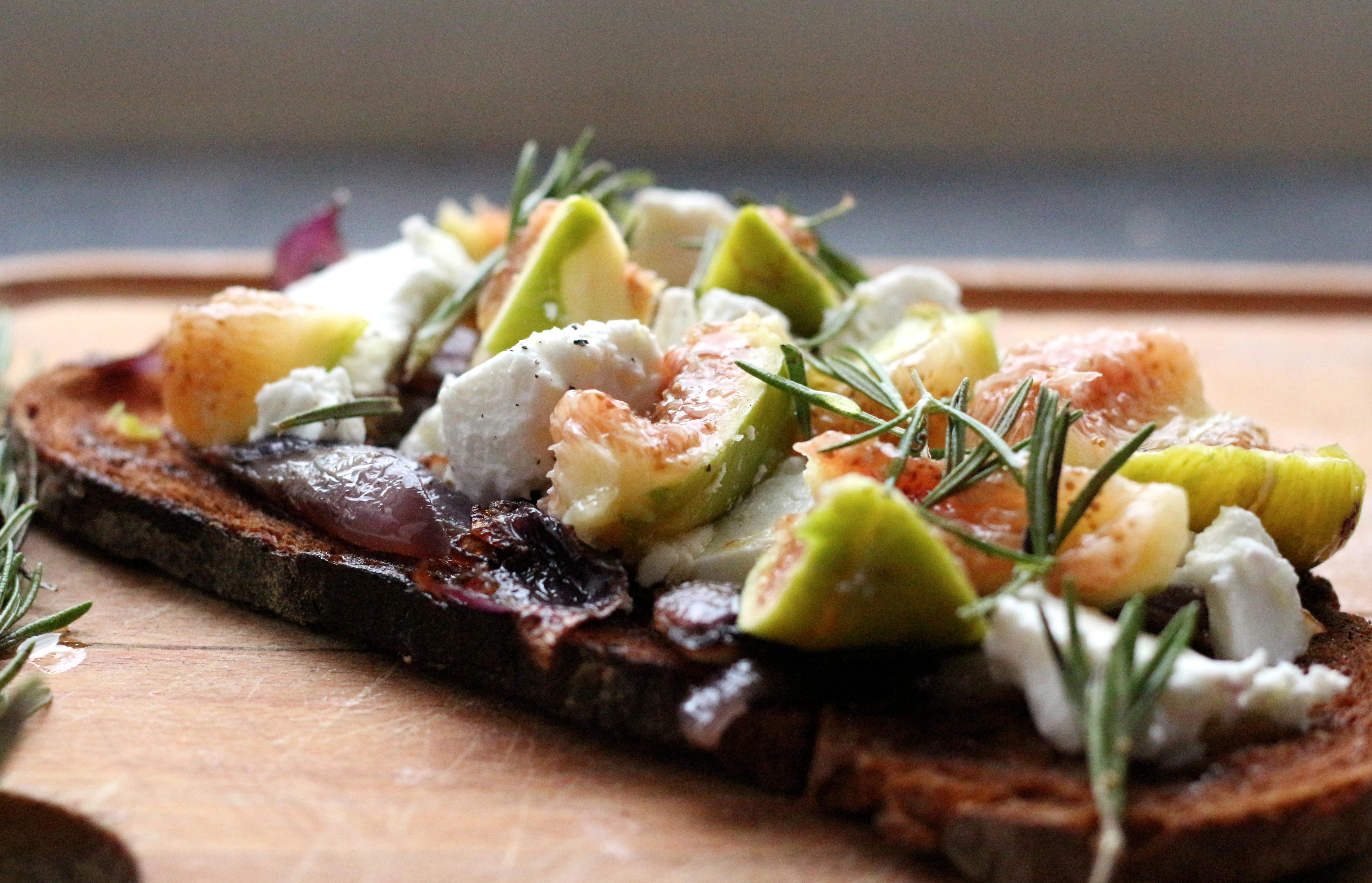 Bruschetta figue & chèvre frais - Sweet Cabane
