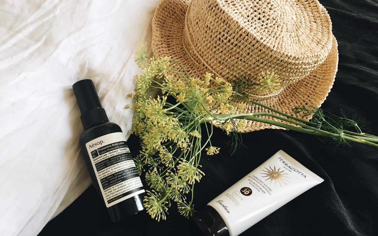 summer vanity : Guerlain, Sanaflore, Vichy, Aesop, Bioderma, Clinique - Sweet Cabane