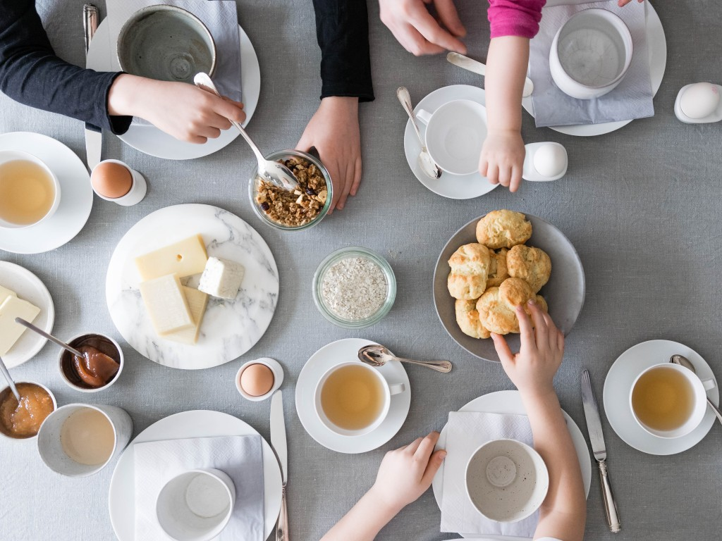 Family breakfast / Photo credit : Anna Cor