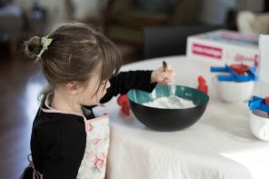 Moulding activity for happy kids